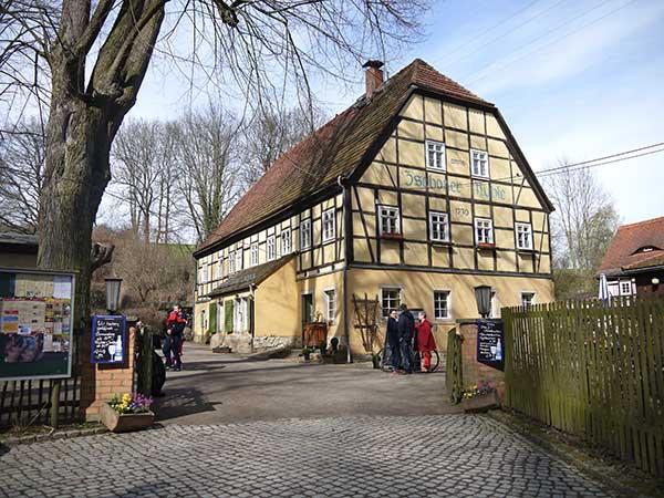 Biergarten in der Zschoner Mühle im Zschonergrund Dresden