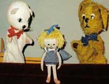 Hündchen und Kätzchen feiern Weihnachten - Puppentheater Glöckchen